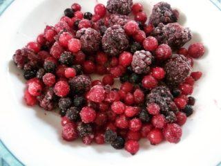 Torta vegana ai frutti di bosco