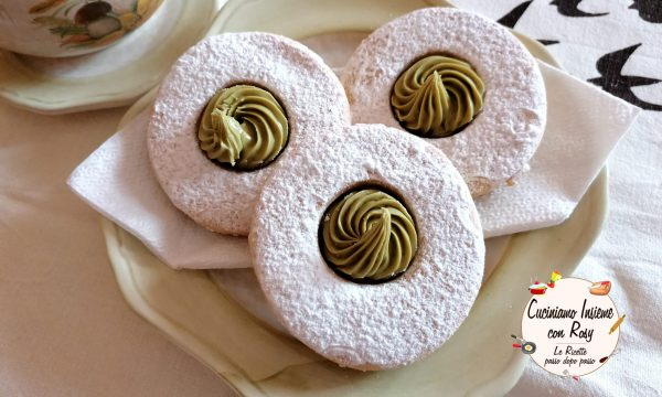 Biscotti pistacchio e burro di arachidi (occhio di bue)
