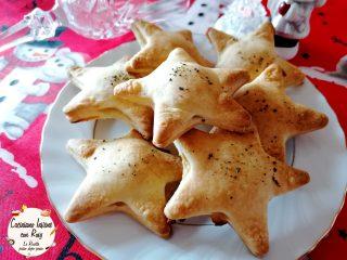 Stelle di brisée con mozzarella e prosciutto per Natale
