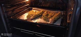 Trota con zucchine e croccante al pesto