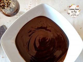 Ganache di cioccolato cremosa e lucida