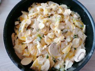 Patate e funghi al forno filanti