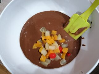 Ciambella bigusto vegana frutta sciroppata