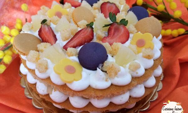 Cream tart mimosa di pasticceria ananas e fragole