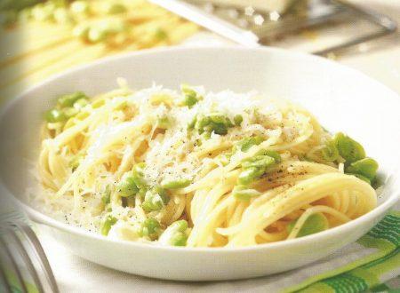 Spaghettini con favette fresche, cacio e pepe