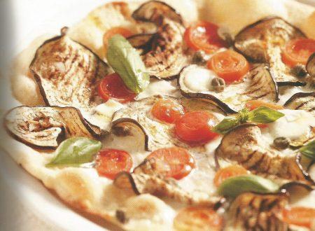Pizza calabrese con capperi e melanzane
