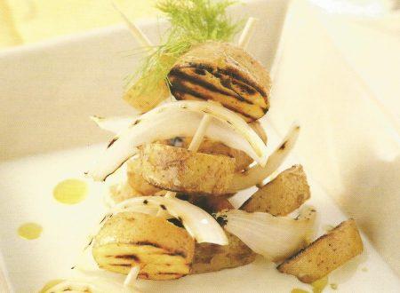 Spiedini di patate e cipolle con fonduta di gorgonola