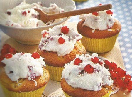 Cupcakes di mango con bacche