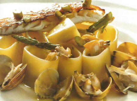 Calamarata con asparagi vongole e gallinella