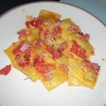 Ravioli speck, pomodori e stracchino