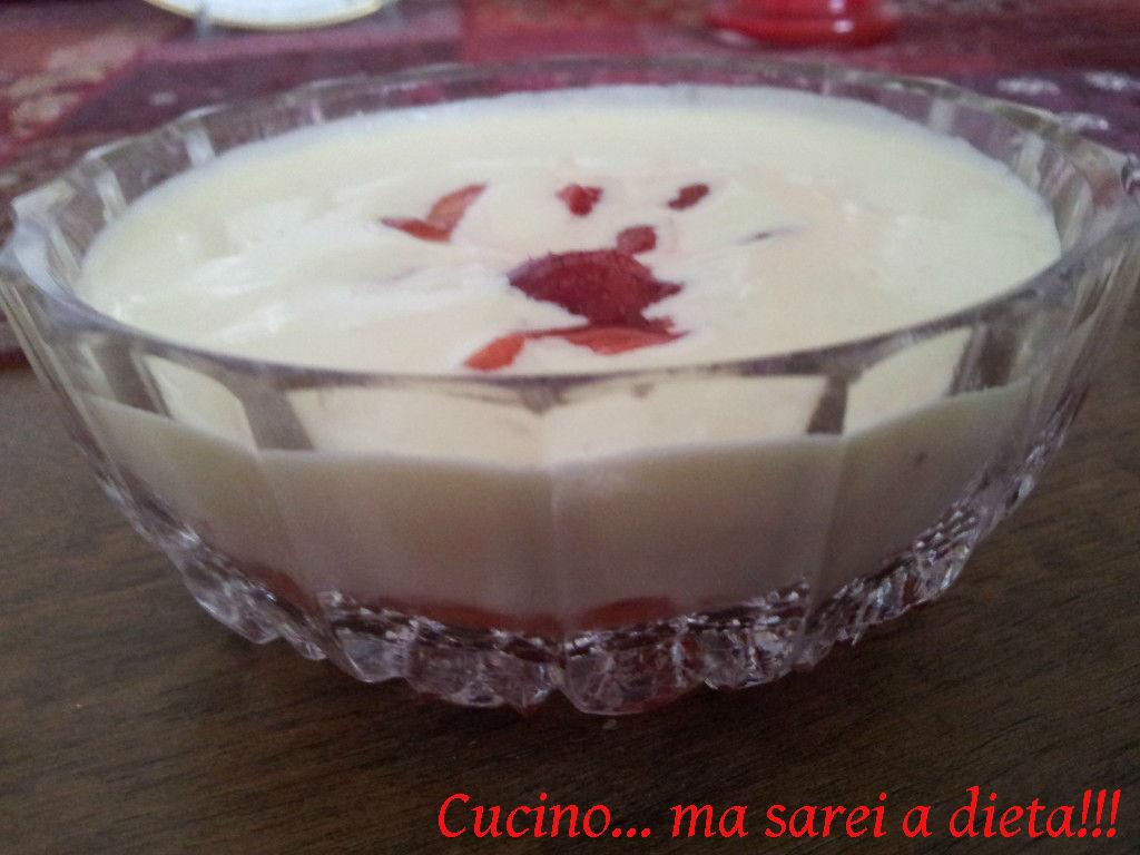 Crema-al-mascarpone-con-fragole-1024x768