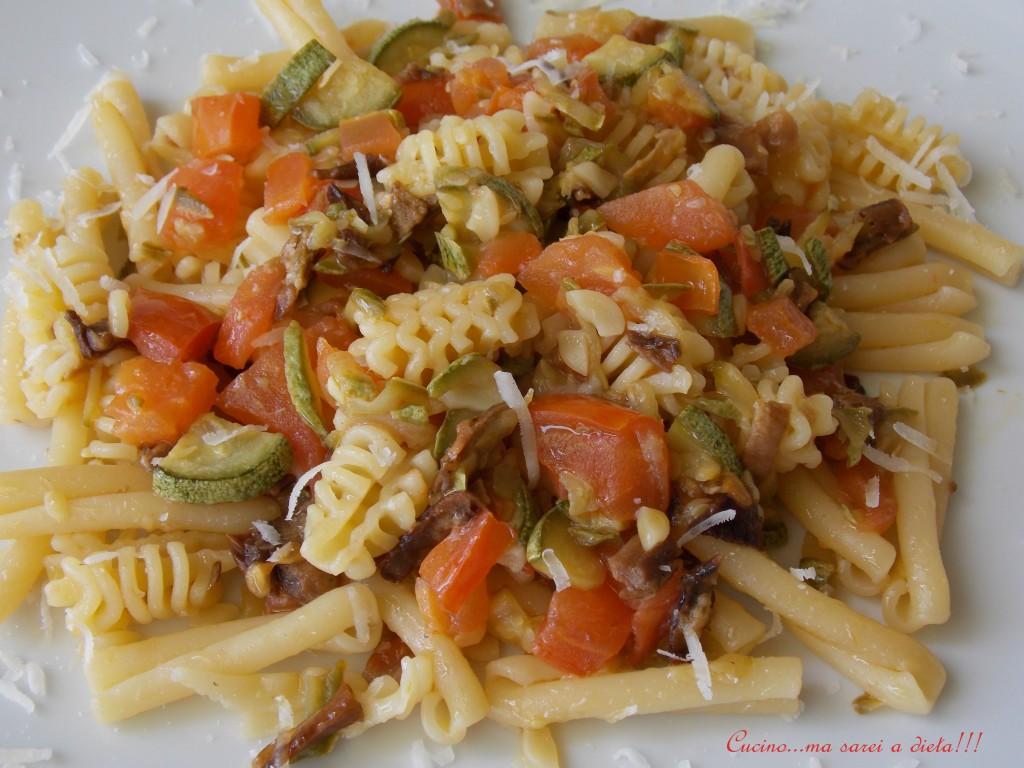 Pasta porcini zucchine e pomodori2