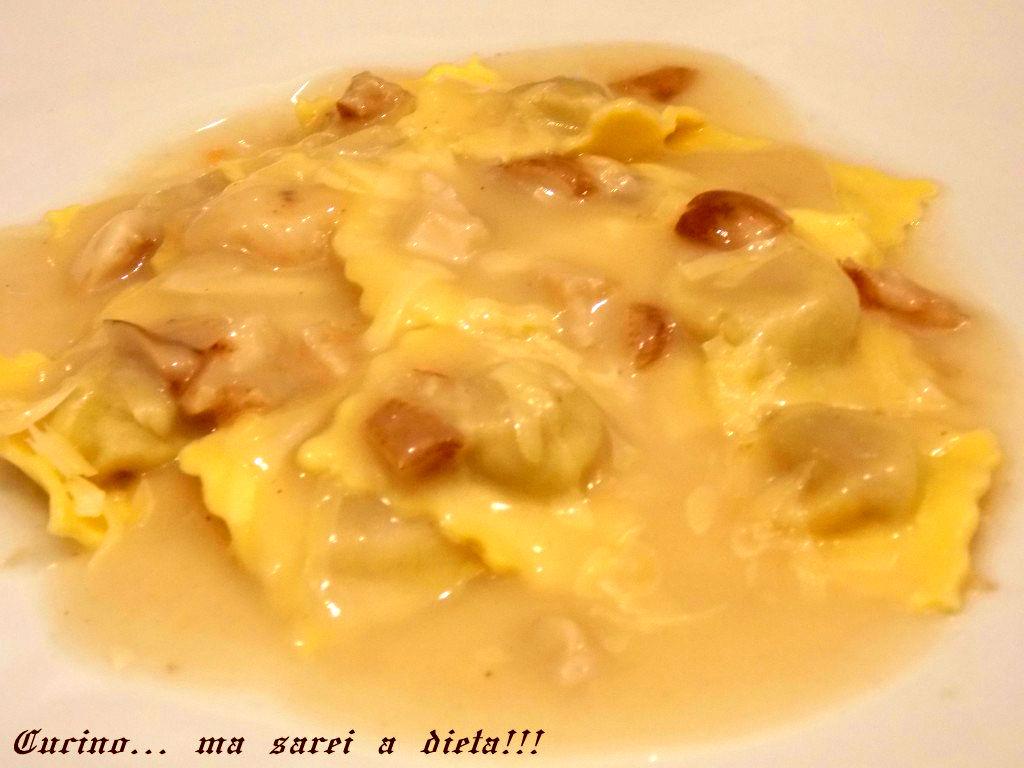 Ravioli-con-ripieno-di-pollo-al-profumo-di-porcini-1024x768
