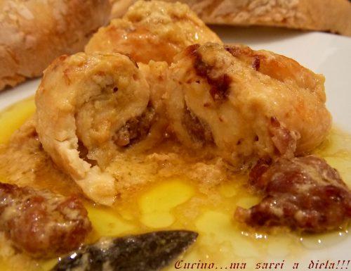 Involtini di pollo alla salsiccia