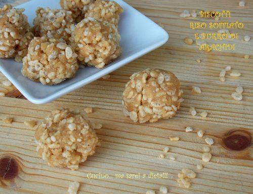 Biscotti riso soffiato e burro di arachidi