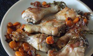 Cosce di pollo in tegame con le carote