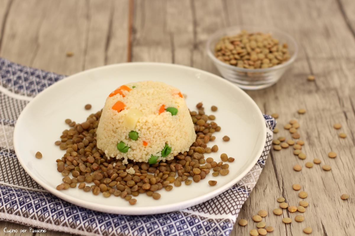 Tortino di cous cous alle verdure con lenticchie
