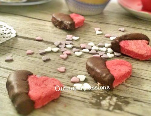 Biscotti per san valentino di pan di spagna