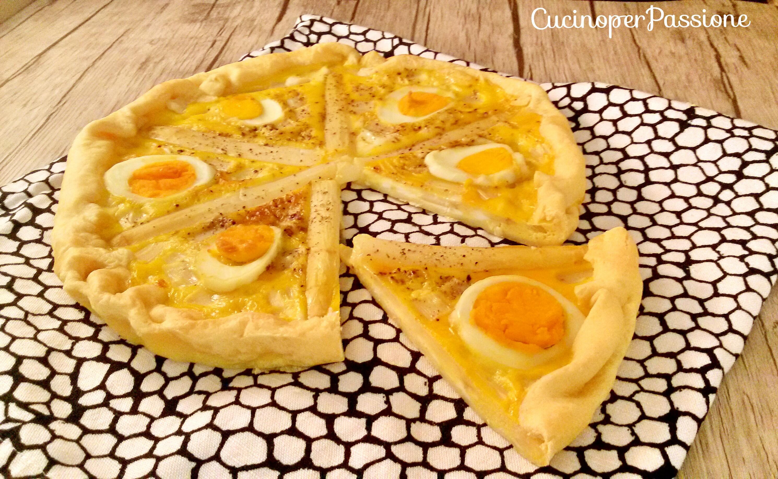 Torta salata asparagi e uova