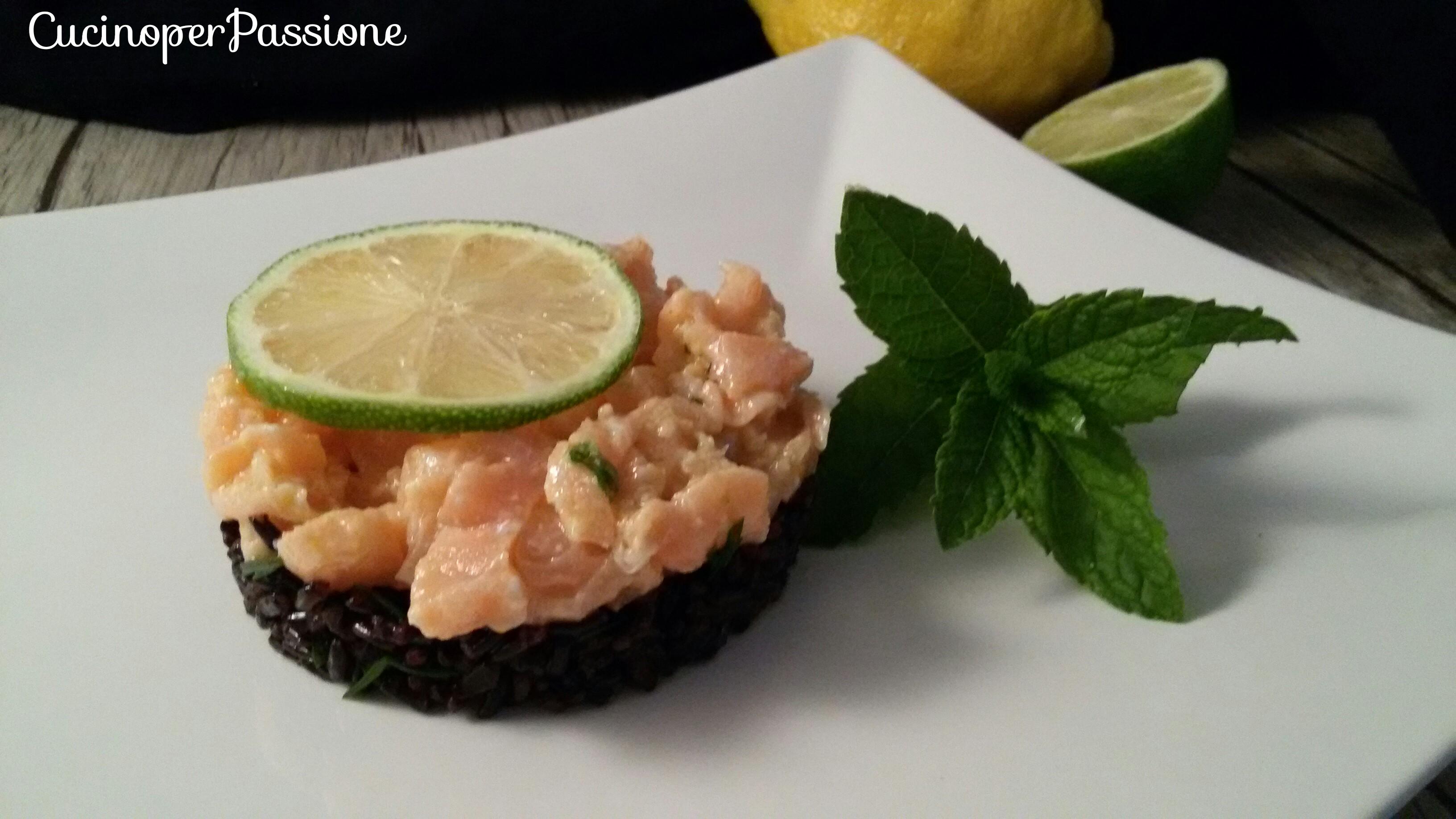 Tartare di salmone marinato al limone