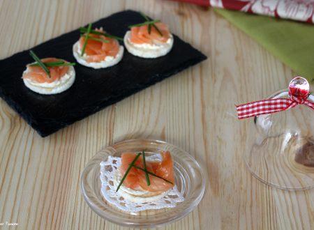 Crostini al salmone light finger food sfizioso