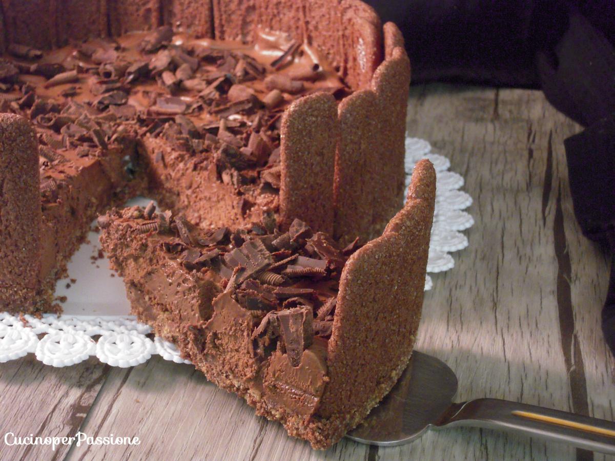 Torta con pavesini al cacao
