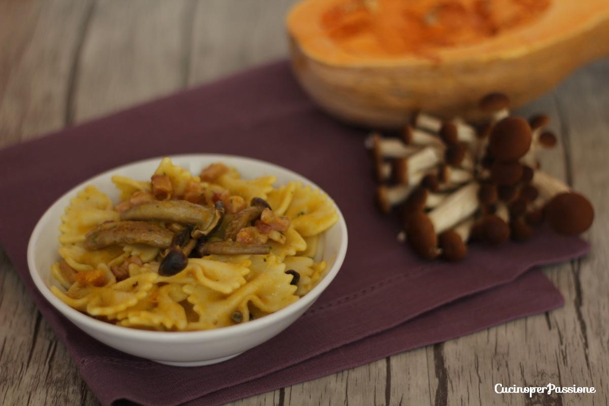 Pasta zucca funghi e pancetta