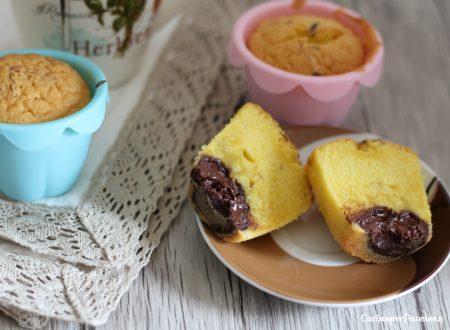 Muffin morbidi dal cuore di cioccolato