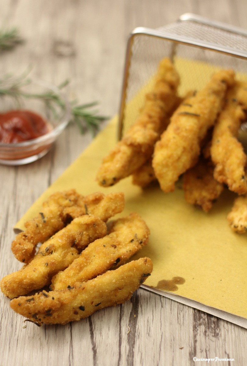 Bocconcini di pollo fritti e speziati