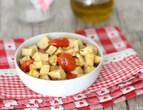 Tofu in padella con pomodorini e aromi