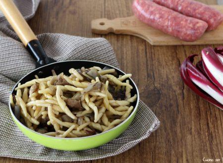 Pasta radicchio e salsiccia primo veloce e gustoso