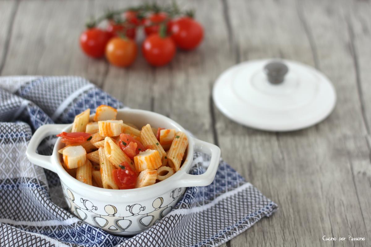 Pasta con i surimi ricetta facile e gustosa