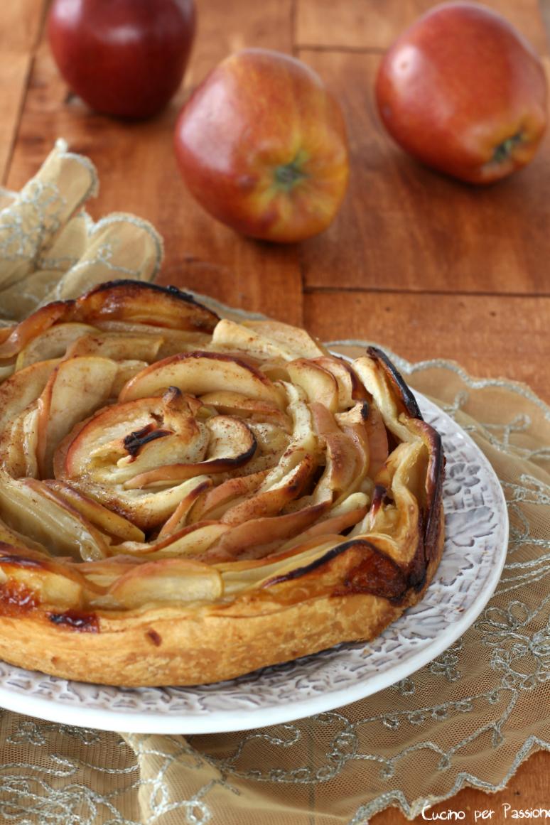 Torta di Mele con Pasta Sfoglia Come Una Rosa