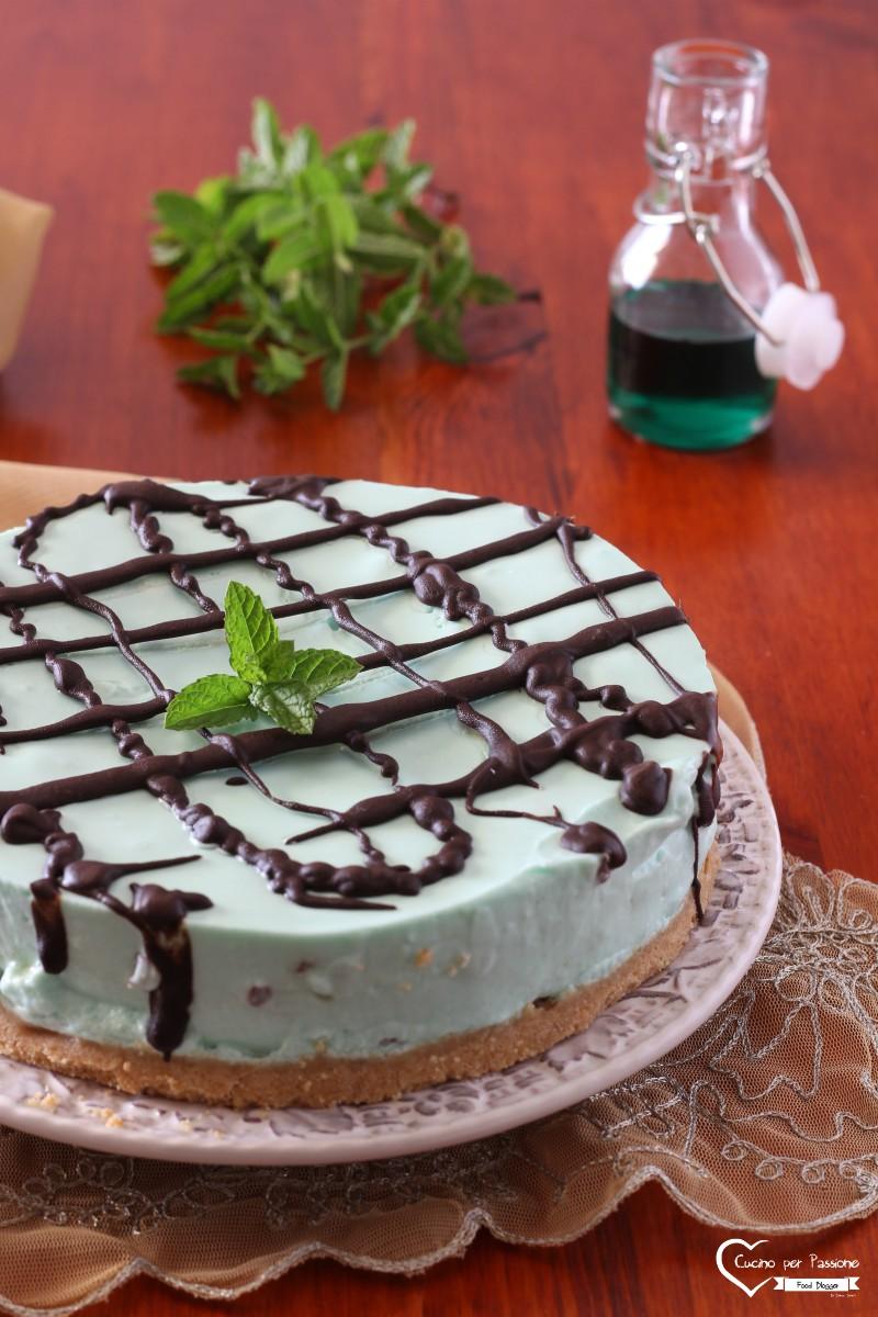 Torta menta e cioccolato senza cottura