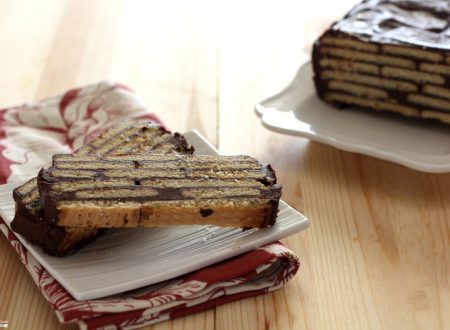 Mattonella al cioccolato e biscotti secchi
