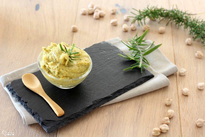 Hummus ceci e rosmarino