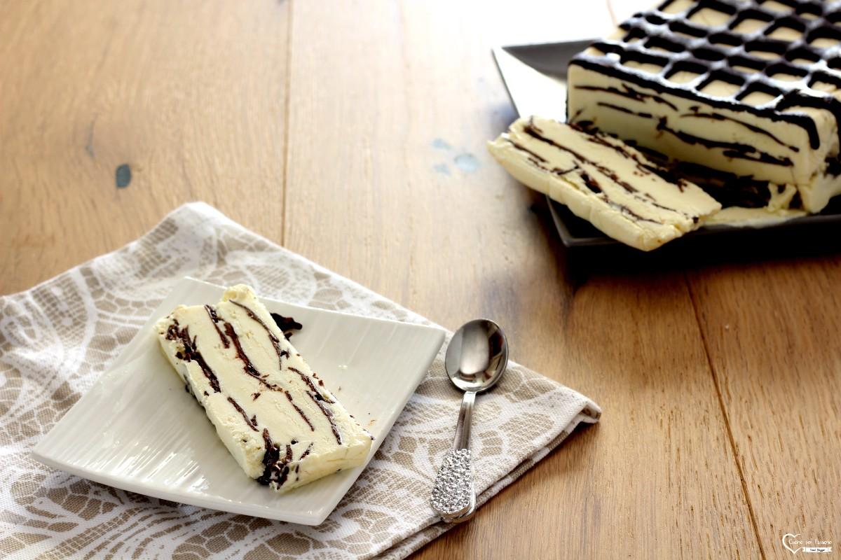 Viennetta fatta in casa con sfoglie di cioccolato