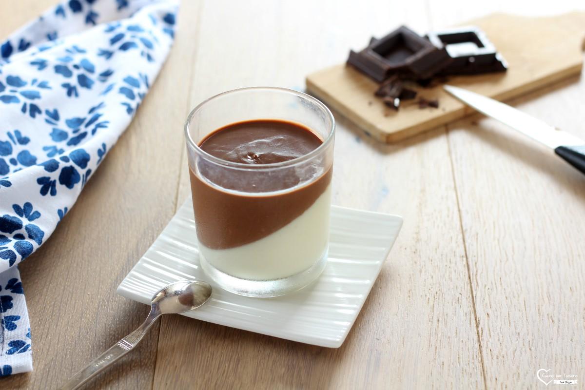 Panna cotta al cioccolato dolce al cucchiaio