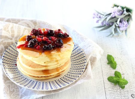Pancake vegan ai frutti di bosco