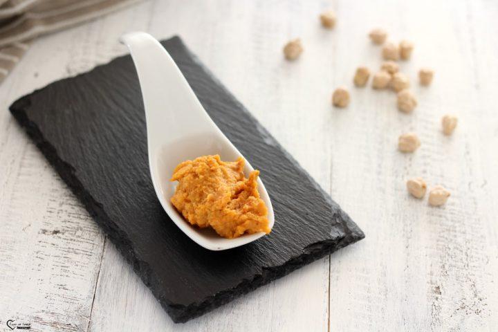 Hummus ricetta con pomodori secchi