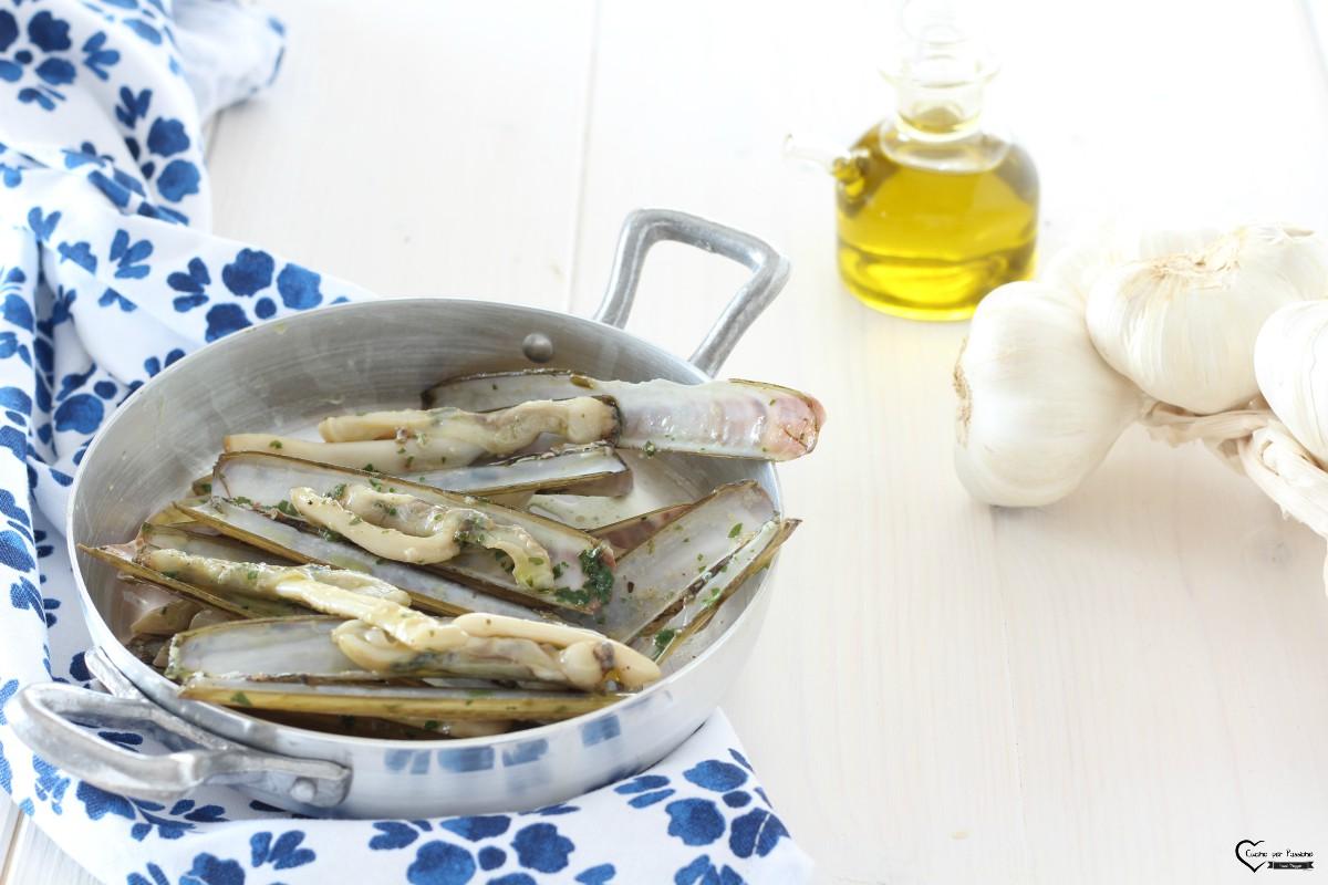 Cappelunghe saltate con aglio e prezzemolo