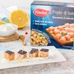 Bocconcini di salmone in crosta di semi di papavero e salsa yogurt