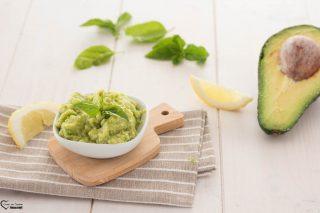 Crema di avocado spalmabile