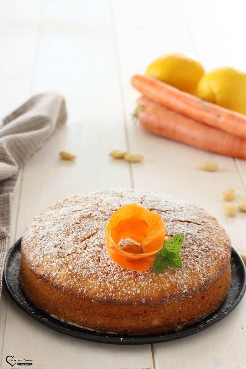 torta di carote e mandorle vegana