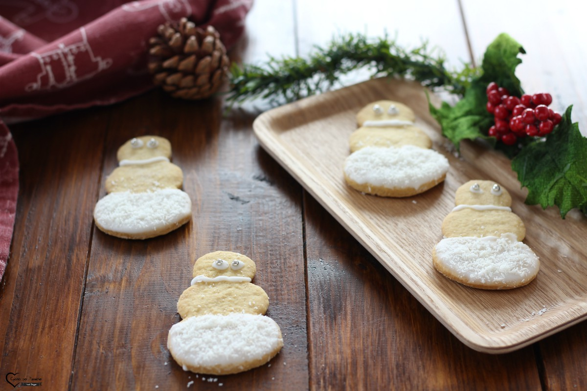 Biscotti natalizi di frolla e cocco