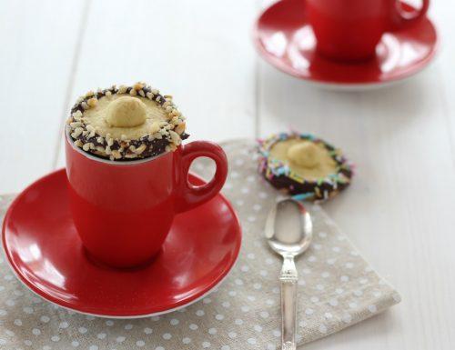 Biscotti di frolla coperchio per la tazza