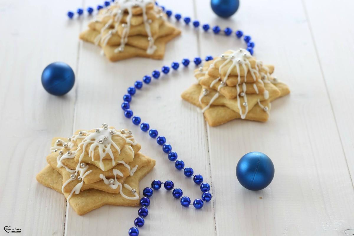 Biscotti albero di natale di pasta frolla