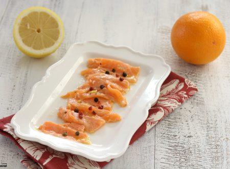 Carpaccio di salmone marinato agli agrumi