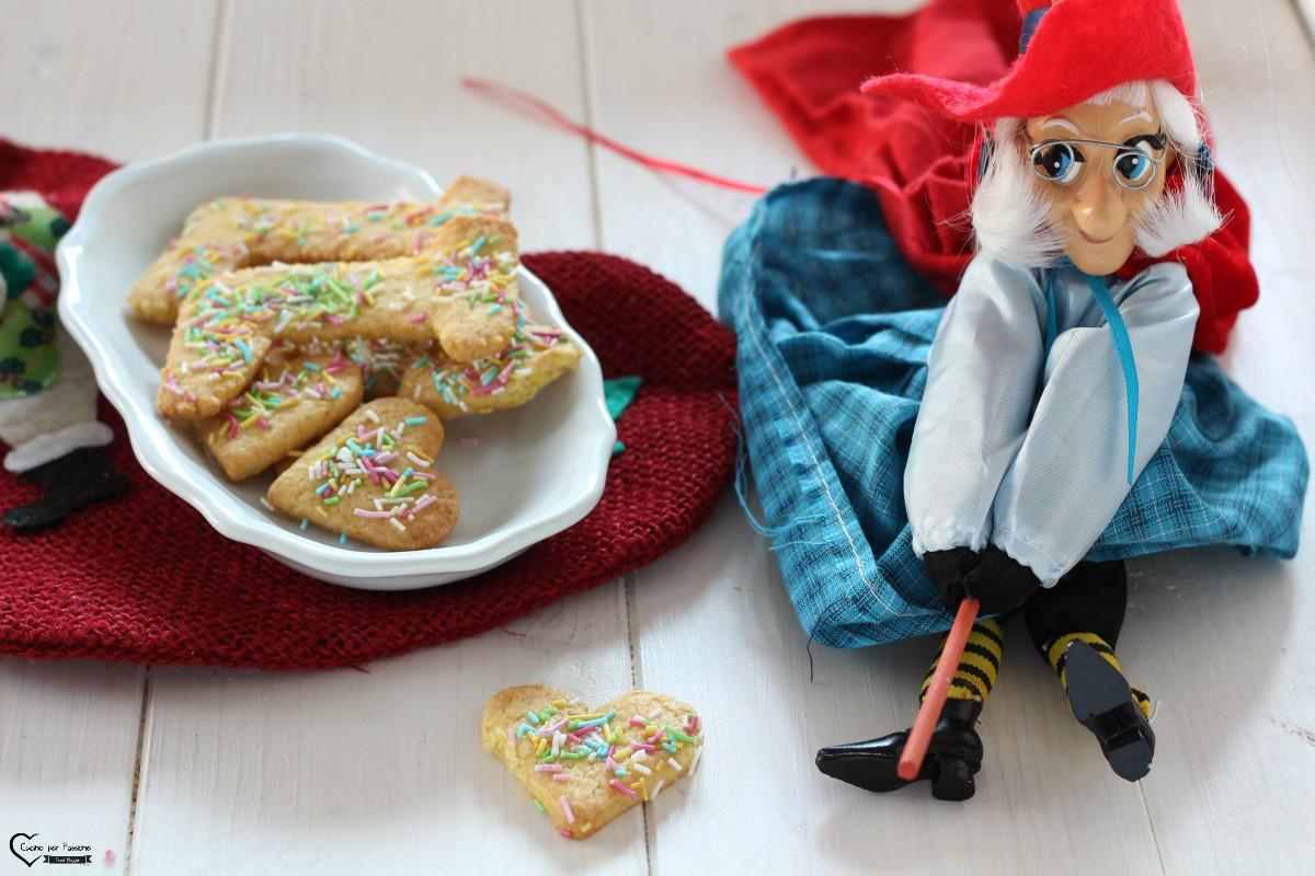 Biscotti befanini o befanotti tipici Lucchesi