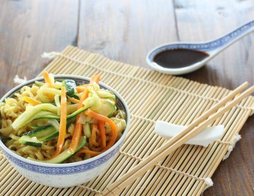 Ricetta Noodles con le verdure e curry